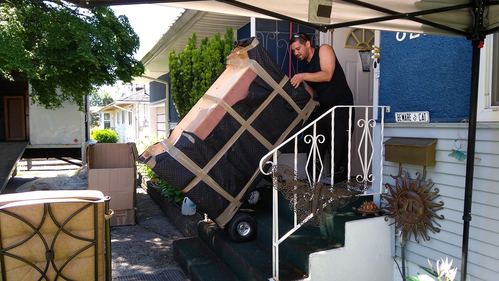 Movers Burnaby Signature Moving 778-325-6683